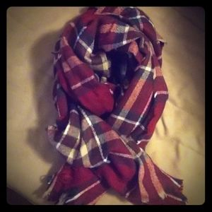 Look Women's Soft Red Plaid Oversized Scarf